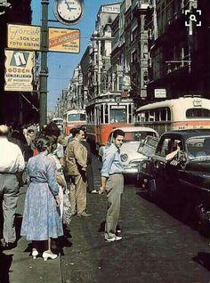 Istanbul - Beyoğlu (1958) #eskiistanbul #oldistanbul #eskigalata #eskibeyoğlu #taksimtünel #eskiistanbulfotograflari