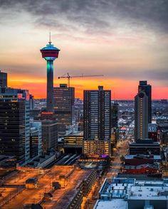Calgary, Cn Tower, Seattle Skyline, Tourism, Walking, Canada, Windows, River, Window Shopping