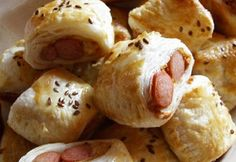 Sausage snacks like Jamie Oliver, Food And Drinks, Sausage snacks like Jamie Oliver. Jamie Oliver, Boys Food, Hungarian Recipes, Hungarian Food, Eat Pray Love, Salty Snacks, Kaja, Scones, Baking Recipes
