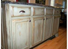 Down to Earth Style: Kitchen Islands...a really great step by step on how to make an island look like furniture