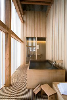 Interior dreams Ginzan Onsen Fujiya-Kengu Kuma / Ritualbad ♥ Hair Loss and Supplements Copyright 200 Japanese Architecture, Interior Architecture, Interior And Exterior, Interior Design, Design Interiors, Piscina Interior, Japanese Bathroom, Japanese Interior, Japanese House