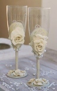 fimo roses on champagne glasses... <3