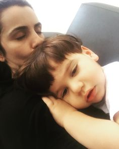 O cansaço do início da semana bateu na mãe mas ele por mais que esteja com sono não se entrega! #babydicas #maedetres #maedemeninos