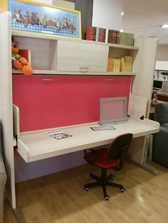 Sillas en miniatura sillas de pl stico y grandes espejos para dotar de profundidad a tu comedor - Fabrica muebles barcelona ...