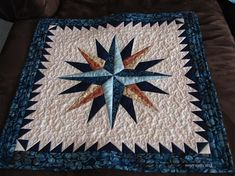 Mariner's Compass Quilt by Michelle of mmm Quilts, The Pattern designed by Brenda Henning of Bearpaw Productions Star Quilt Patterns, Star Quilts, Pattern Blocks, Patch Quilt, Quilt Blocks, Storm At Sea Quilt, Nautical Quilt, Decoupage, Mariners Compass