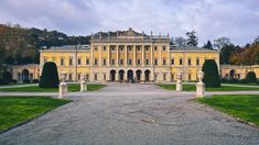 https://flic.kr/p/DehDnh | Villa Olmo | Villa Olmo is a neoclassical villa located in the city of Como, directly on Lake Como. Built from 1782-1797 by Swiss architect Simone Cantoni for marquis Innocenzo Odescalchi, many popular guests have visited Villa Olmo, such as Napoleon Bonaparte, Prince Metternich, Marshal Radetzky and Giuseppe Garibaldi. The villa was named after an elm tree in the park, which does not exist anymore. Today the place is used for public exhibitions.