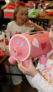 Mommy Lessons Creative Valentine Boxes I've Seen.(I'm sure you can make something else, other than a pig! My Funny Valentine, Valentine Day Boxes, Valentines For Kids, Valentine Day Crafts, Holiday Crafts, Holiday Fun, Valentine Ideas, Holiday Ideas, Valentine Activities