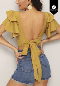 Share on WhatsApp Crop Top Outfits, Cute Casual Outfits, Kpop Outfits, Teen Fashion Outfits, Sari Blouse Designs, Blouse Outfit, Mode Inspiration, Clothing Patterns, Ideias Fashion