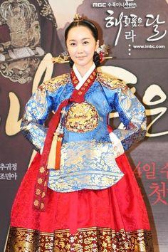 Moon Embracing the Sun(Hangul:해를 품은 달;RR:Haereul Pum-eun Dal, also known asThe Sun and the Moon) is a 2012South Koreantelevision drama series, starringKim Soo-hyun,Han Ga-in,Jung Il-wooandKim Min-seo. It aired onMBC.  김민서