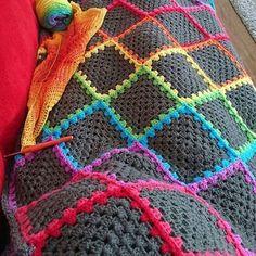 . #photo @hazels_crochet . #örgü#örgümodelleri#elişi#tığişi#motif #crohet#embroidery#handmade#wip #rainbow#battaniye#koltukşalı#pillow #knitting#ganchillo#pattern#instalike #likefollow#instamood#instagood #alıntı# hobileri#kanavice#etamin#etsy #knittersofinstagram#virkkaus#dikiş #grannysquareblanket