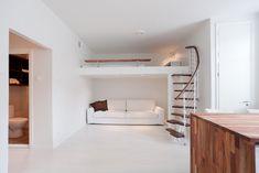 sisustus yksiö Small Studio Apartments, Sleeping Loft, Dream House Plans, Tiny House Living, Bedroom Loft, Tiny House Design, Scandinavian Home, Spare Room, Dream Rooms