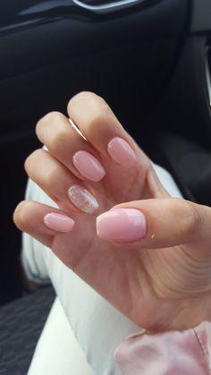 Pink & short ballerina/coffin nails