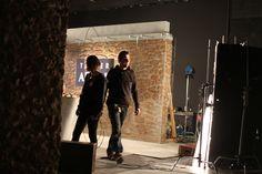 Rodaje y construcción de decorados en Banzai Studio de los distintos spots de Argal: Taller, Creta Granjas y Bonnatur. La mayor dificultad fue construir la enorme, preciosa y pesada mesa-mostrador que  debía ir con ruedas para desplazarla, pero que no debían verse lo más mínimo.  Productora: Oxígeno NMP  Director de Arte: Cesar Martínez Edo   https://www.youtube.com/embed/8ALZFQ0jrgc https://vimeo.com/64790192 https://vimeo.com/64790191  www.banzaistudio.tv