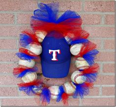 Baseball / Wire Hanger Wreath- be cuter if it was a YANKEE one :) New Crafts, Decor Crafts, Diy And Crafts, Crafts For Kids, Arts And Crafts, Baseball Wreaths, Baseball Crafts, Baseball Stuff, Baseball Mom