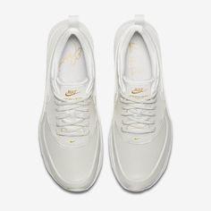 on sale e42b0 18a10 Chaussure Nike Air Max Thea Pas Cher Femme et Homme Se Premium Blanc Sommet  Or Metallique