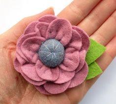 Felt flower.  Love that center!  #Felt #flower