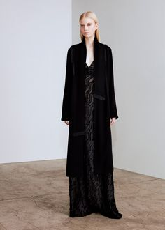 See the complete Yigal Azrouël Fall 2017 Ready-to-Wear collection.