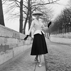 """Dior by Christian Dior 1947 - The Bar Suit, """"Corelle"""" Collection. Photo by Willy Maywald"""