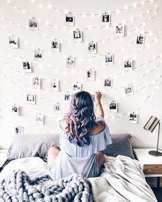 49 Easy and Cute Teen Room Decor Ideas for Girl - wohnideen wohnzimmer - Dorm Room Dream Bedroom, Girls Bedroom, Bedroom Wall, Bedroom Inspo, Teen Bedroom Designs, Photos In Bedroom, Rustic Teen Bedroom, Vintage Bedroom Decor, Fantasy Bedroom