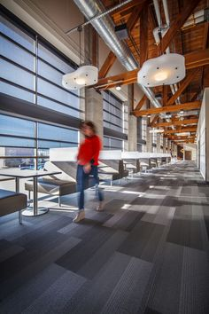 2015 AIA Wisconsin Design Awards Honor Award: Johnson Controls on Hawley Road in West Allis. Architect: Eppstein Uhen Architects, Inc. Contractor: Hunzinger Construction Co. Great Place To Work, Great Places, Office Space Design, Office Spaces, West Allis, Future School, System Furniture, Open Office, Office Interiors