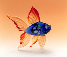 Polymer Clay Fish, Polymer Clay Halloween, Polymer Clay Miniatures, Blown Glass Art, Fused Glass Art, Stained Glass, Casa Anime, Fish Sculpture, Glass Artwork