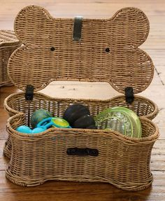 wicker bone shaped dog toy basket http://rstyle.me/n/s24rzbh9c7