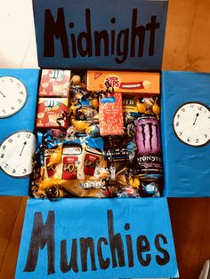 College Care Packages - Creative Art Room package ideas for friend distance Cute Birthday Gift, Birthday Gifts For Best Friend, Best Friend Gifts, Cool Birthday Presents, 21st Birthday, Crafty Birthday Gifts, Ideas For Birthday Gifts, Diy Birthday Box, Cute Gifts For Friends