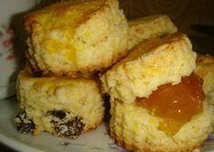 Scones de maizena Pie Recipes, Sweet Recipes, Dessert Recipes, Cooking Recipes, Hispanic Desserts, Pan Dulce, Pastry And Bakery, Eat Dessert First, Sin Gluten