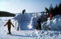 Snow adventure play in schoolyard. Lund primary school. Ullensaker municipality, outside Oslo.
