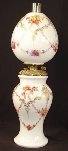 White Victorian Banquet Lamp With Pink Roses, Double Wick