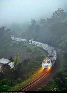 Kereta Api Indonesia GE at Garut, Indonesia by Mamadou Ucrit Buses And Trains, Old Trains, Places Around The World, Around The Worlds, Moonrise Kingdom, Train Pictures, Train Journey, Train Tracks, Transportation