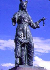 奴奈川姫と建御名方命の銅像 | T...