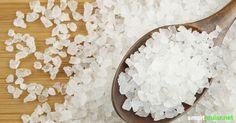 Salz ist nicht nur ein Würzmittel, sondern auch ein preisgünstiger Helfer im Haushalt, den du auf verschiedene Weise einsetzen kannst. Feta, Life Hacks, Helfer, Diy, Fitness, Plants, Crafting, Handy Tips, Cleaning Agent
