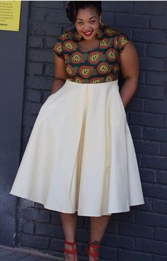 Online Hub For Fashion Beauty And Health: Lovely Ankara Fitted Blouse For The Pretty Plus Size Divas African Dresses For Women, African Print Dresses, African Attire, African Wear, African Fashion Dresses, African Women, Fashion Outfits, African Prints, African Fashion Designers