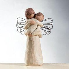 Willow Tree Angel's Embrace by Susan Lordi Rayne n Tay, from Santa 2012 Willow Tree Figures, Willow Tree Nativity, Willow Tree Angels, Tree People, I Believe In Angels, Angels Among Us, Wood Art, Sculptures, Tree Sculpture