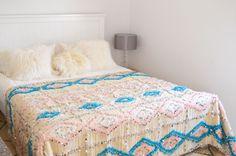 Vintage Moroccan Wedding blanket Handira <> Baby Blue and Pink Gorgeous ! Moroccan Wedding Blanket, Baby Blue, Tapestry, Bedroom, Pink, Furniture, Home Decor, Vintage, Chaise Longue