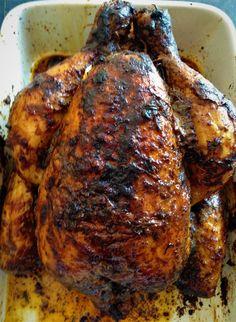 """Ingrédients: 1 poulet 1,4 kg 1 cuillère à soupe de mélange 4 épices pour pain d'épice 1 cuillère à soupe de paprika en poudre 1 cuillère à café rase de sel aux herbes de Provence et tomate """"la Baleine"""" 1 cuillère à soupe rase d'estragon haché 1 cuillère..."""