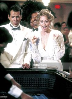 """Money talks- Maddie walks"" episode ~ Season 2 Moonlighting Tv Show, Best Tv Series Ever, Olivia Benson, Money Talks, Bruce Willis, Moving Pictures, Romantic Couples, Series Movies, Best Games"