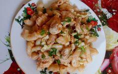 Retete rapide pentru copii mofturosi: PASTE CU PIEPT DE PUI SI CASCAVAL Paste, Potato Salad, Potatoes, Chicken, Meat, Ethnic Recipes, Food, Chef Recipes, Cooking