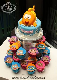 Bubble guppies cake and cupcakes