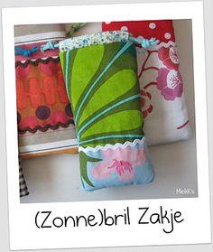 By MiekK: Tutorial: (zonne)bril zakje naaien. Geweldig idee om restjes stof op te maken!