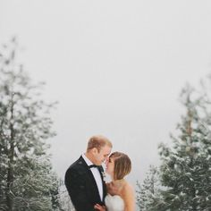 snowy weddings are awesome.