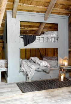 Love these bunk beds! Would be fun to have in a house someday if our kiddos share a room. Home Bedroom, Kids Bedroom, Winter Bedroom, Budget Bedroom, Bedroom Loft, Kids Rooms, Bedroom Furniture, Bedroom Ideas, Bunk Beds Built In