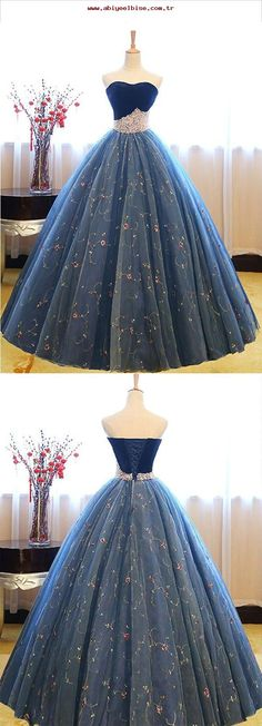Blue sweetheart neck tulle long prom gown, blue sweet 16 dress, modest prom dress, formal dresses, wedding gown Source by frederikehedtfe gowns Sweet 16 Dresses Blue, Blue Lace Prom Dress, Dark Blue Prom Dresses, Prom Dresses 2018, Long Prom Gowns, Ball Gowns Prom, Modest Dresses, Ball Dresses, Pretty Dresses