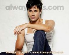 Omg Enrique is sooooo sexy