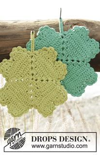 "Spot Luck - Crochet DROPS pot holder with four-leaf clover in ""Paris"". - Free pattern by DROPS Design"