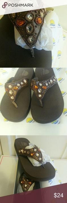 NIB Bronze Jewel 8M Thong Sandals NIB Calypso Bronze 8B jewel thong sandals. Perfect. No flaws. Maui Island Shoes Sandals