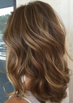 Brunette Hair Color With Highlights, Brown Hair With Highlights And Lowlights, Brown Hair Balayage, Brown Blonde Hair, Highlight And Lowlights, Blonde Brunette Hair, Medium Brown Hair With Highlights, Blonde Hair For Brunettes, Sun Kissed Highlights