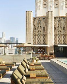 Un hôtel design : L'Ace Hotel http://www.vogue.fr/voyages/adresses/diaporama/guide-des-meilleures-adresses-los-angeles-restaurant-htel-bar/25318#un-htel-design-lace-hotel