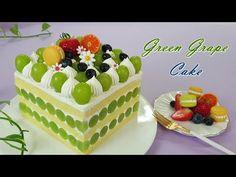 How to make a soft moist vanilla sponge Green grape cake Cake Topper Tutorial, Cake Toppers, Fresh Fruit Cake, Vanilla Sponge, Cake Youtube, Green Grapes, No Bake Desserts, Afternoon Tea, Good Food